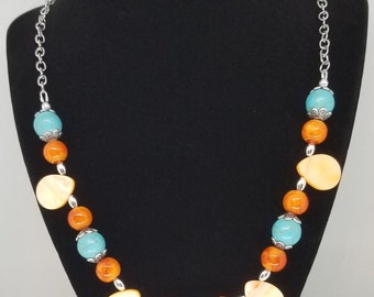 Mother of pearl and turquoise necklace