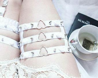 Triple Heart garter