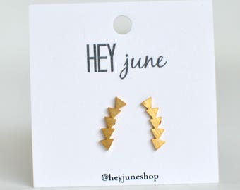 Triangle arrow stud earrings, arrow earrings, triangle line earrings, gold arrow earrings, geometric earrings, triangle studs