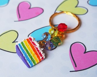 Rainbow Cake fascino torta portachiavi (portachiavi torta arcobaleno, regalo divertente, miniatura di cibo, cibo portachiavi, portachiavi arcobaleno, torta di argilla del polimero)