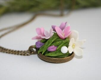 Lilac flower necklace, Flower jewelry, polymer clay flower necklace, floral jewelry, romantic pendant, flower pendant,  botanical pendant
