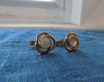 Mens Vintage Gold Tone Cuff Links with Pearlescent Stone, Vintage Cuff Links, Mens Cuff Links,  Father's Day