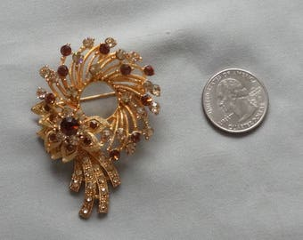 Vintage Topaz Rhinestone Gold Plated Wreath Brooch/Pin