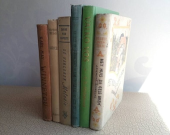 Set decorative antique youth books from the 1950s | Colored (mostly) linen-bound books from the fifties, for decoration