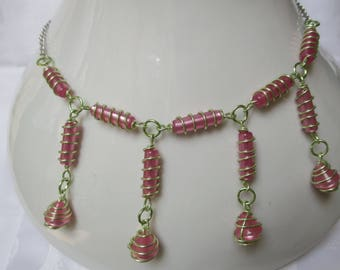 Pretty as a sweet, this pink and lime green necklace!
