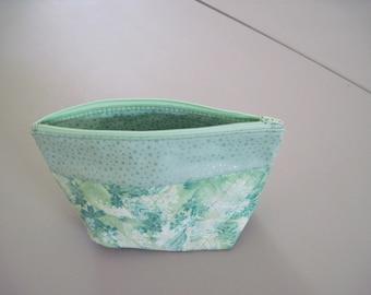 Green Floral Zipper Bag