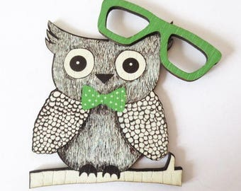 Vintage green OWL + sunglasses - wood - print 70x57mm