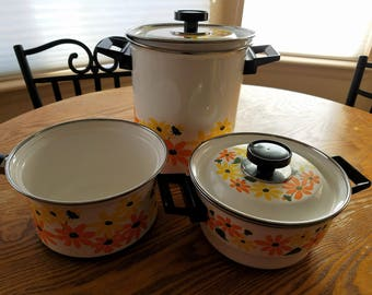 SALE!!  NOS Vintage Ekco Country Garden Cookware, Set of 7 Pieces, Pots, New and Never Used