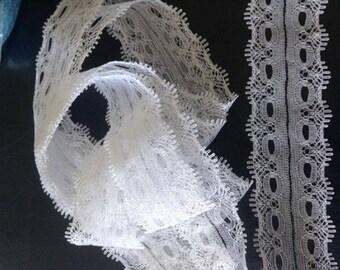 3 metre 3.5 centimeters wide white lace trim