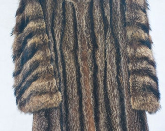 Vintage 1960's Genuine Raccoon Fur Coat. Size Medium