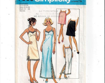 Simplicity 7069 Pattern for Women's Slips & Half Slips, Size 40, 42, From 1975, UNCUT, Stretch Knits, Plus Size, Vintage Home Sewing Fashion