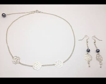 "Set ""Roses"" necklace and earrings and gunmetal glass beads"