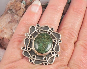 Native American Green Turquoise Sterling Silver  Ring