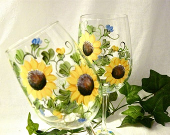 Free shipping Sunflowers hand painted on a pair of wine glasses