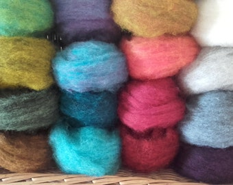 NEW BIGGER PACK! Assorted Pack of Corriedale , 270g/9.52oz minimum. Great Needle/Wet Felting Wool
