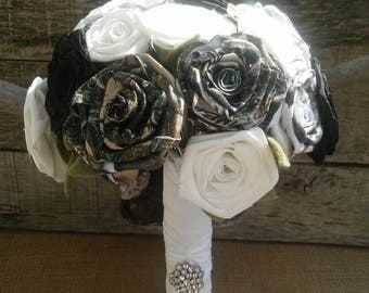 Fabric Flower Camo Bouquet, Camo Toss Bouquet, Camo Fabric Bouquet, Camouflage Flowers, Rustic Bride Bouquet, Camouflage Bride