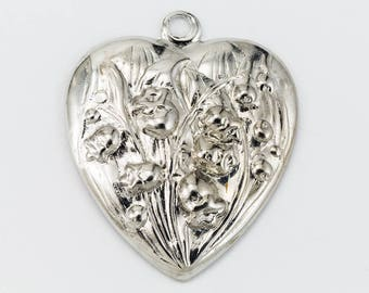 30mm Silver Lily of the Valley Heart #57A
