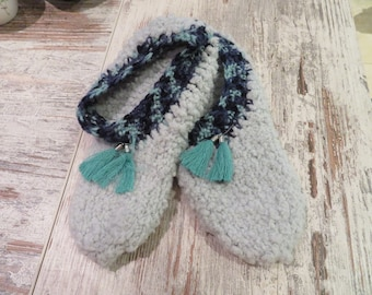 Slippers/Booties with tassel