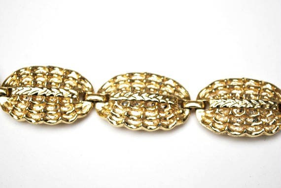 Coro Gold Tone Link Bracelet - Oval weave links - Light gold tone metal - mid century signed