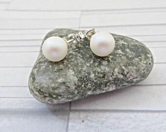 Pearl Stud earrings, White pearl studs, Swarovski Pearlescent White stud earrings, Elegant pearl earrings, White stud earrings, Made in UK