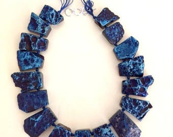 Vintage irridescent blue aghat necklace Nephertiti