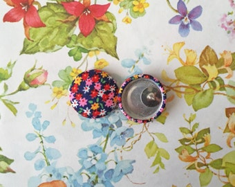 Handmade Earrings / Fabric Covered Buttons / Wholesale Jewelry / Gifts for Her / Stud Earring / Vintage Floral Print/ Hypoallergenic