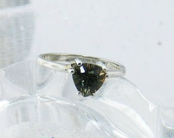 Oregon Sunstone - Sterling silver Ring - Oregon Sunstone Ring - Green Sunstone Ring - Solitaire Sunstone Ring - Engagement Ring   #343