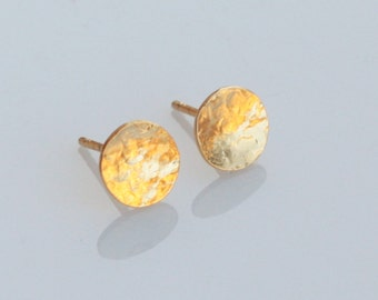 Small Gold Round Post Earrings, Hammered Tiny Circle Studs, Small Round Posts, Gold Circle Earrings, Everyday Round Studs, Small Posts