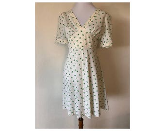 S/M 1960s White and Green Floral Short Sleeve Dress Floral Day Dress
