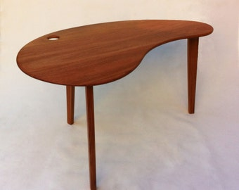 Beau Mid Century Modern Solid Hardwood Desk   Kidney Bean Shaped   Atomic Era  Biomorphic Boomerang Design In Solid Mahogany