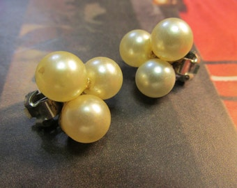 Vintage Ivory Pearl Clip-On Earrings