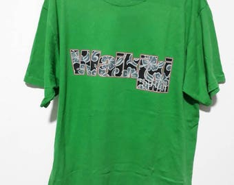 Waikiki Hawaii Green nice t shirt like new/ vintage/surfing/polo/brand