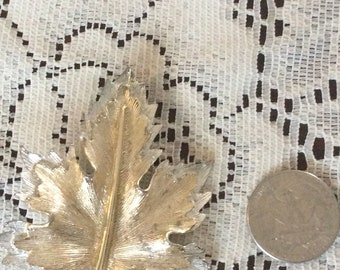 Sarah Coventry Signed Nature's Choice Leaf Brooch