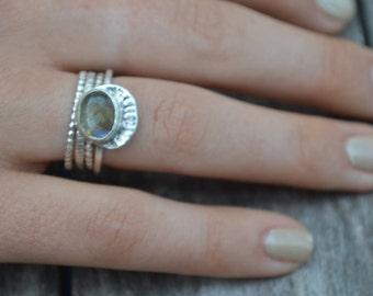 Labradorite Ring //Handmade Sterling Silver Jewelry with hand hammered crown