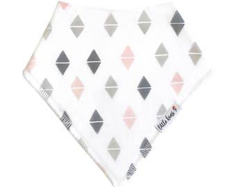 Organic Baby Bib Baby Girl Bandana Bib Pink Grey Triangle Pattern Bib Baby Gift Drool Bib Baby Shower Gift Bandana Bib Organic Cotton Bib