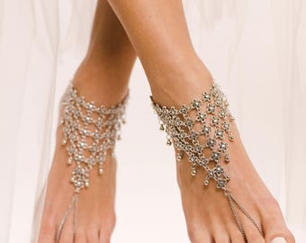 Statement Barefoot Sandals Tribal Anklet Boho Foot Jewelry Chunky foot thong Slave Anklet in Silver Beach Wedding Sandals Jewelry for Feet