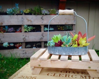 Pallet succulent planter/mini pallet stand/succulent art/rustic wedding decor/succulent centerpiece/succulent party favor/metal planter