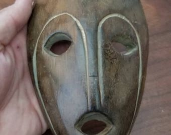"""Hand-Carved Wood Mask from Bali, Indonesia! Wall Art decor! Wood Carving 7"""" (Q6)"""