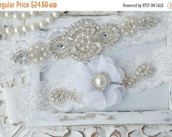 ON SALE Wedding Garter, Wedding Garter Set, Bridal Garter, Lace  Wedding Garter, Pearl Garter Set, White Flower Wedding Garter Belt