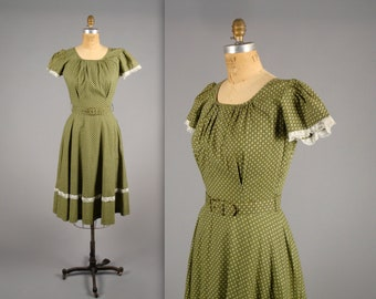 1950s green and white polka dot day dress • vintage 50s dress • casual cotton patio dress