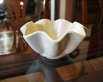 "Vintage Hull Matte White Ruffled Fluted Bowl Vase Planter USA No. B6 3.75""H x 7.5""W"