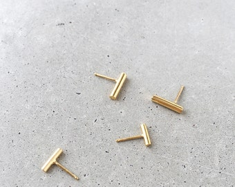 Bar Studs / 14k gold vermeil / SMALL size / PAIR (2 post earrings)