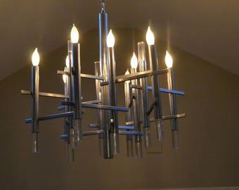 LIGHTLIER. SCIOLARI .VINTAGE Mid-Century Modern, 70s, Chrome / Lucite..12 Arms ( 9 lights.) Sleek, Stunning, Sophisticated.