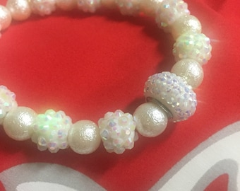 White / Off White, Opalescent Bead and Faux Pearl Bracelet
