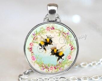 QUEEN BEE Pendant Necklace Jewelry Keychain, Queen Crown, Beekeeper Gift, Beekeeping Jewelry, Apiary, Beehive Necklace, Honey Bee Jewelry