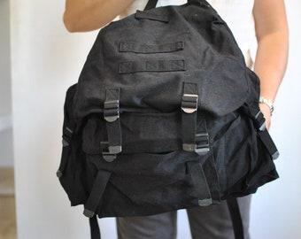 Vintage BLACK CANVAS BACKPACK ..............(383)