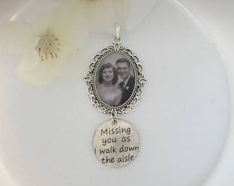Wedding bouquet remembrance charm.  I will do your photo!!