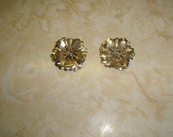 vintage clip on earrings goldtone dimensional flowers