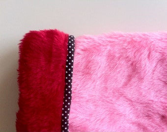 THE CRAZY MANGUITOS Reversible Muff Red and Pink 100% Handmade Extra Soft Faux Fur Stylish Funky Punk Rock Pin up Go Go Girl Bombshell Vegan