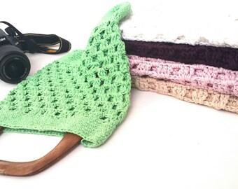 Crochet summer beach net bag , Crochet beige market bag , women's handmade  grocery handbag ,  coton  mesh beach  , wooden handle crochet ,